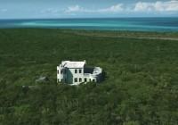 Vende-se uma ilha privada nas Bahamas... com direito a castelo nazista abandonado